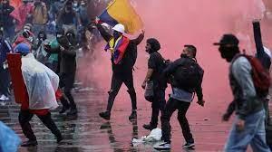 Maniestants dans les rue de Colombie